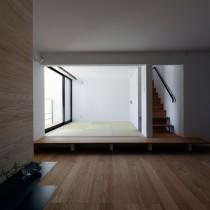 シンプルな形態の省エネルギー住宅